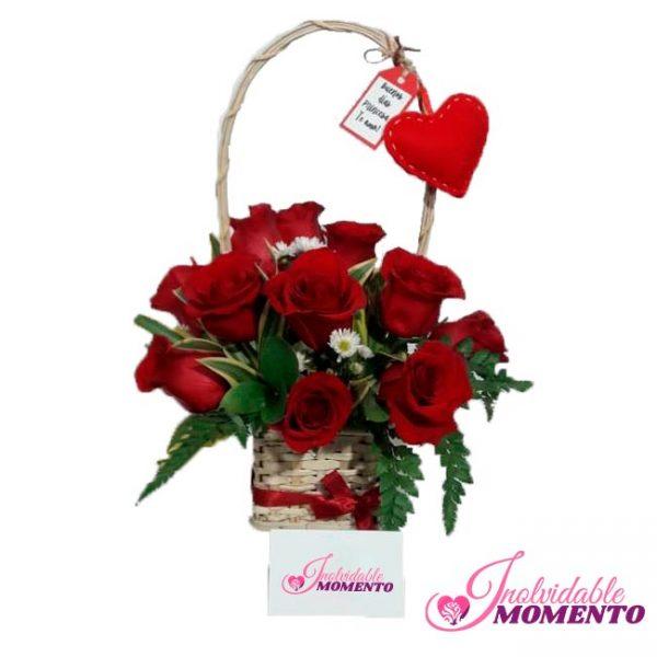 Comprar Regalo 12 Rosas y Corazón Llavero
