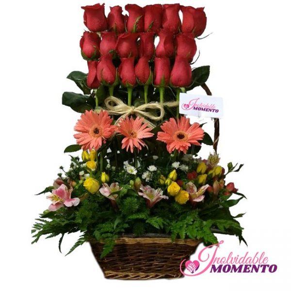 Comprar Regalo 18 Rosas 3 Gerberas en Canasta