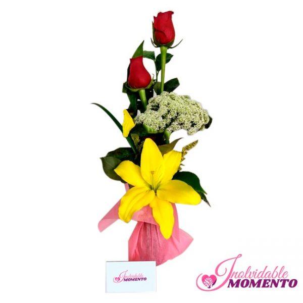 Comprar Regalo 2 rosas y Flor de Lirio
