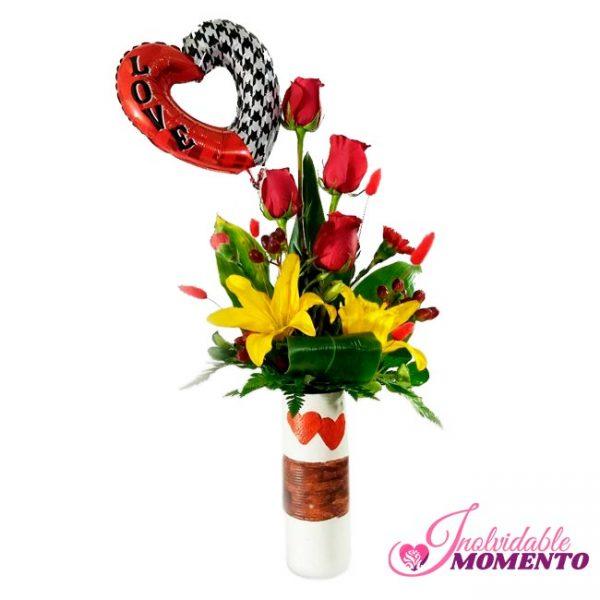 Comprar Regalo 4 Rosas 2 Lirio y 1 Globo